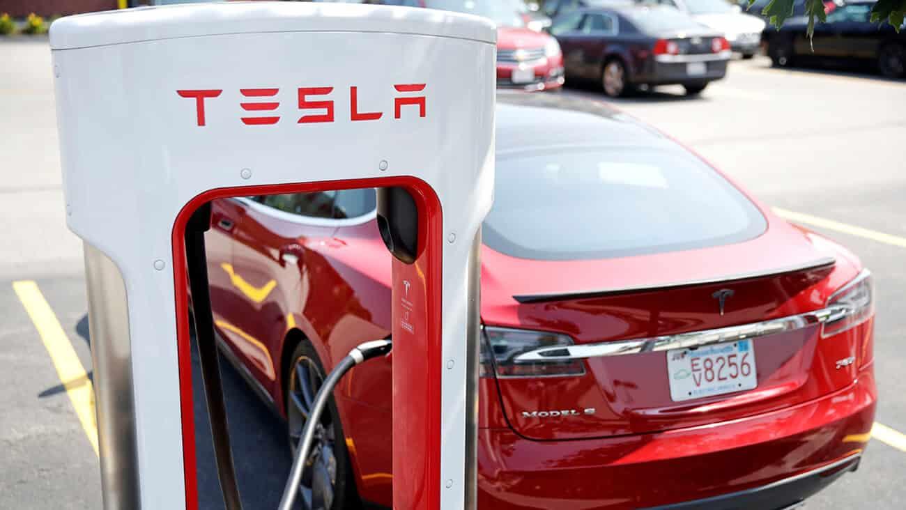 Tesla Lays off Delivery Staff amid Job Cuts